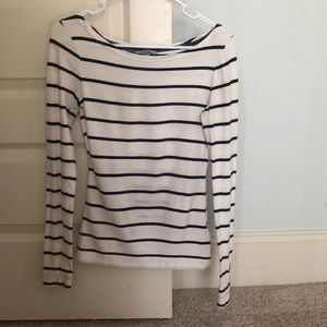 H&M white and navy stripped shirt